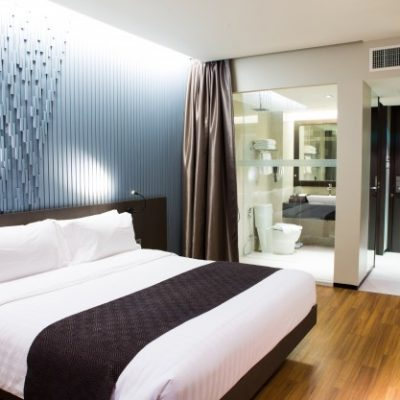 interior-modern-comfortable-hotel-room_1232-1822